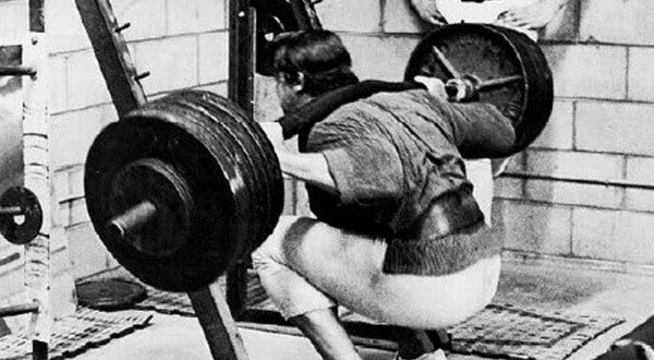Two Squat Tips That Will Fix Most Bad Beginner Squats ...