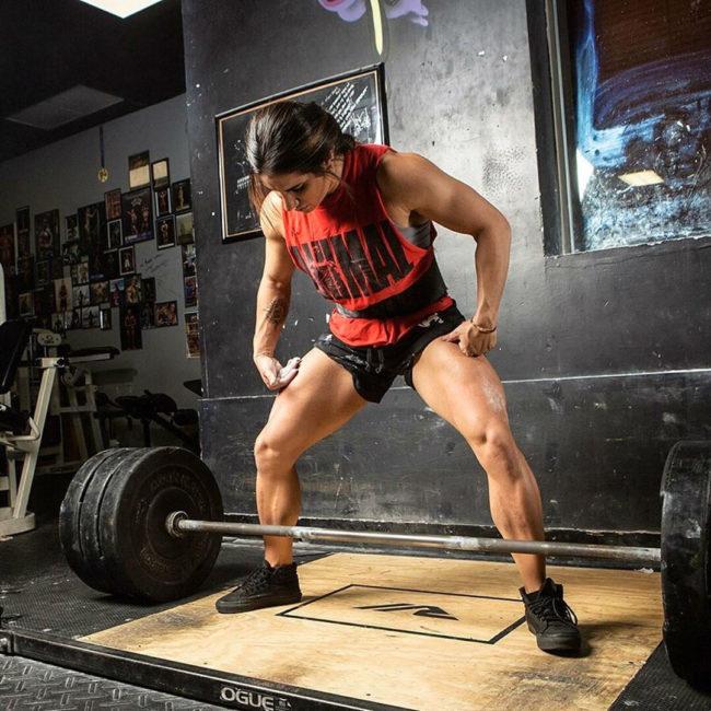 Stefanie Cohen Looks Trim Squatting Huge 462lb At 125lb Bodyweight 1